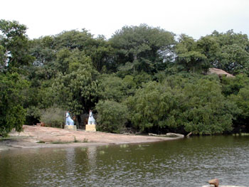 The small lake near the Mela-malai