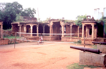 Old fort entrance, Thirumayam